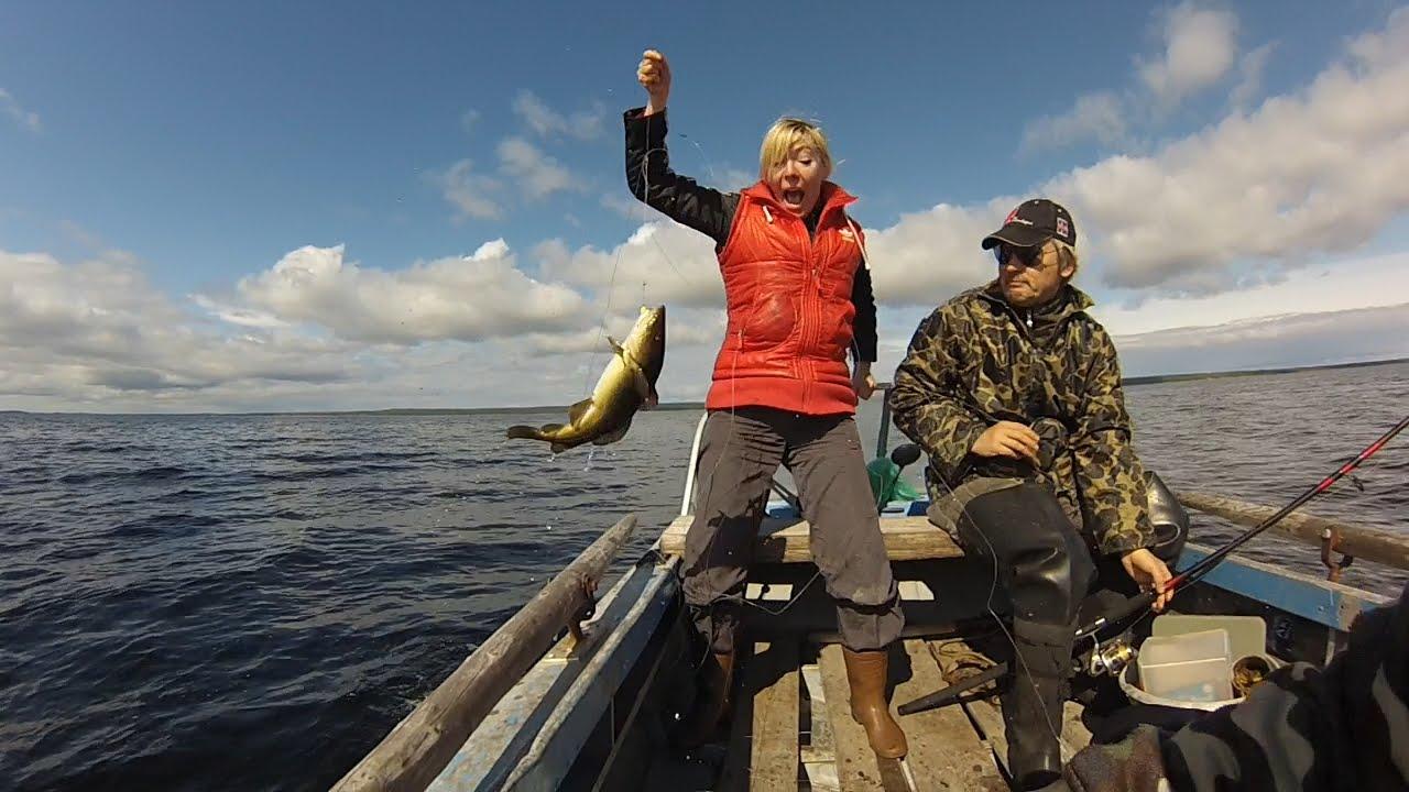 Эмоциональная рыбалка. С элементами экстрима. Ловим треску без удочек.  Emotional fishing.