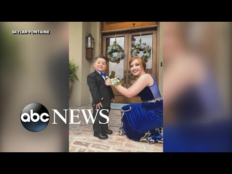 Download Youtube: Toddler stands in for his Marine brother in prom photos