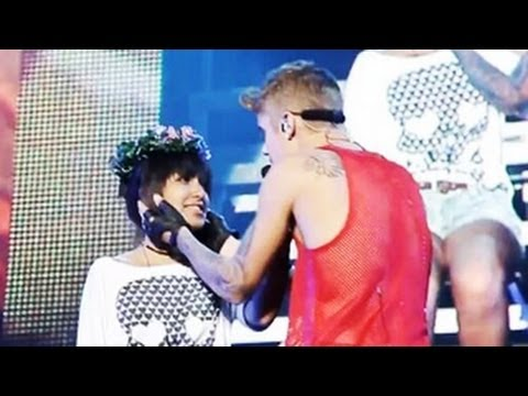 Download Justin Bieber -- Hold Tight (Official Video) Meets One Less Lonely Girl -- Released