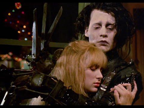 salah satu adegan di film Edward Scissorhands