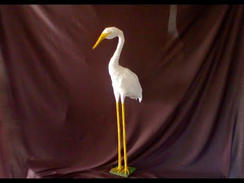 Garza hecha de papel mide 70 centimetros     Heron made of paper