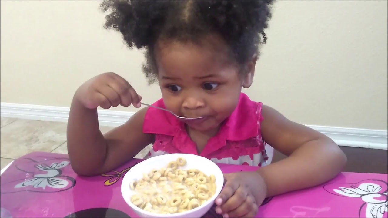 Juju is Eating Cereal, Child is eating cheerios cereal for ...