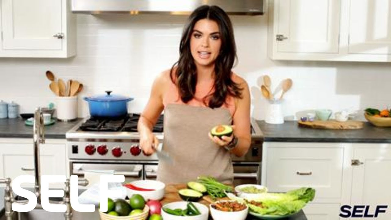 Lee Kitchen: Katie Lee's Guilt-Free Guacamole- SELF's Sporty Chef
