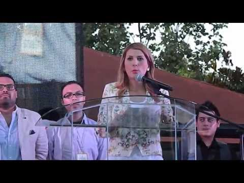 Alcalde de Monterrey Margarita Arellanes entrega la ciudad de Monterrey a Jesucristo.