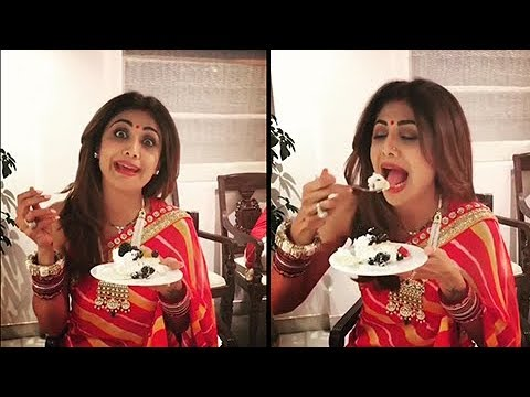 Shilpa Shetty FUNNY EATING VIDEO With Friends After Karva Chauth