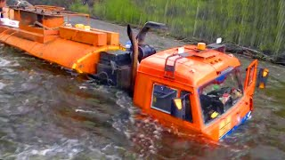 Gambar cover Trucks and Buses Crossing Extremely Dangerous Flooded Rivers and Narrow Bridges