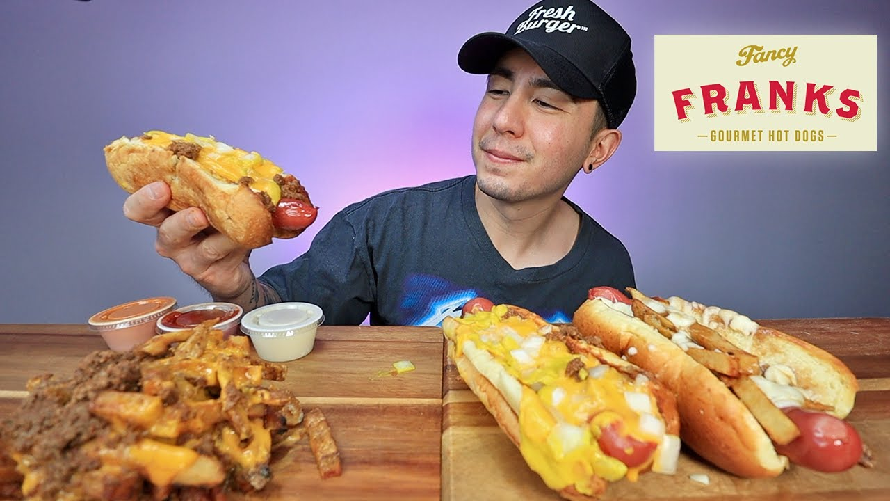 MUKBANG I Found Chilli Cheese Hot Dogs And Chilli Cheese Fries In Toronto (Fancy Franks Hot Dog)