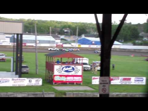 Hobby Stock Heat 1 @ Upper Iowa Speedway 05/29/16