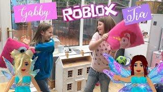 Gabby and Tia vs Roblox