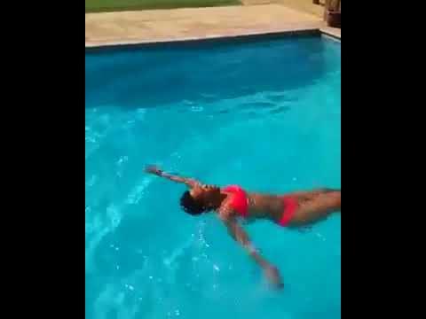Zodwa wabantu showing  off her summer body