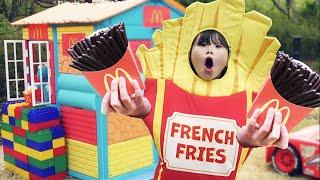 라임의 맥도날드 초콜릿 감자튀김 놀이와 인기동요 Pretend Play McDonald's Happy Meal Chocolate French Fries Mega Big