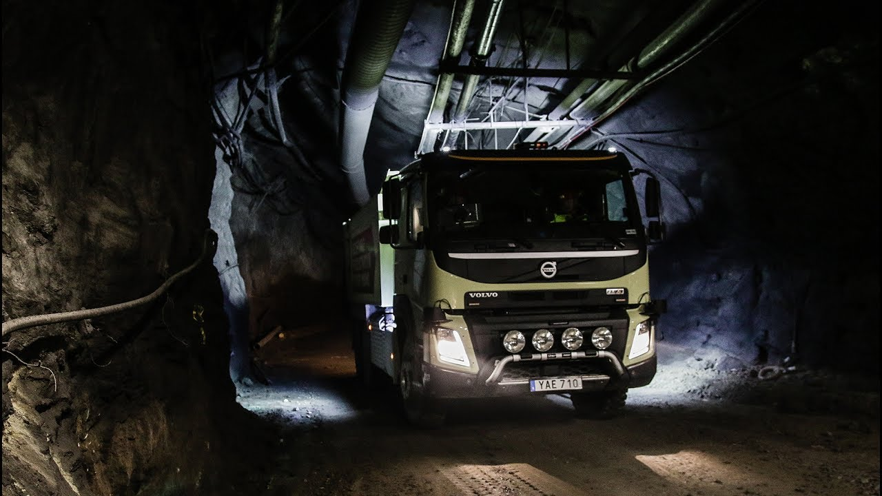 Volvo Trucks - The world's first self-driving truck in an underground mine - YouTube