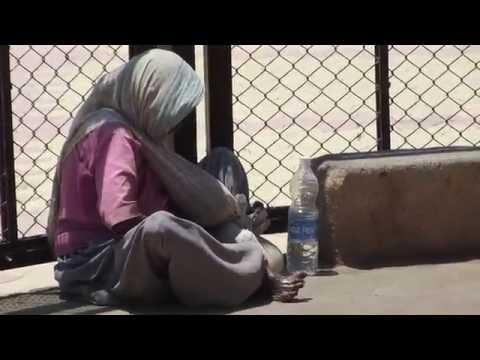 Life of a Senior Citizen Living on Street - Homeless - INDIA