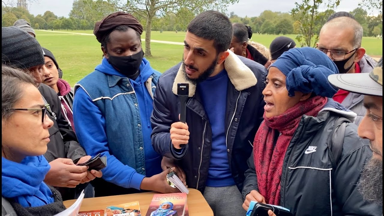 """Download SPEAKERS CORNER  BRAVE CHRISTIAN LADY EXPOSES HATUN """"GET OF MY TABLE""""!"""