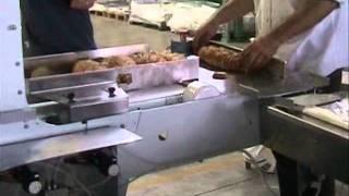 видео Автоматическая хлеборезка