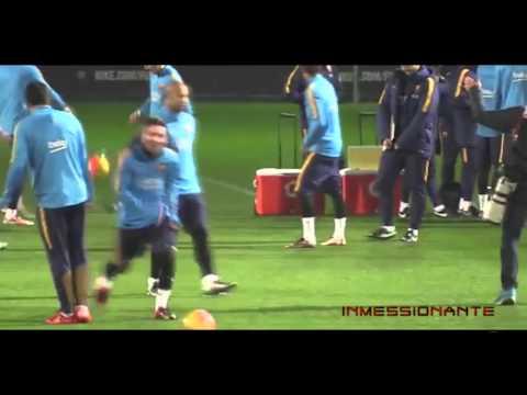 Lionel Messi Nutmegs Luis Suarez in Training