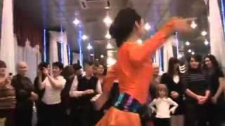 Грузинский женский танец на свадьбе