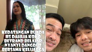 Download Lagu Keluarga Viral Kedatangan Bunda Iis Dahlia Koko Betrand Nyanyi Dangdut Bersama Keluarga mp3