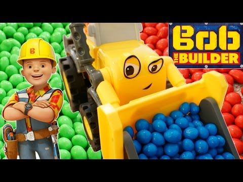 NEW!  BOB THE BUILDER REMOTE CONTROL R/C SUPER SCOOP TOY DIGGER M&M'S CANDY