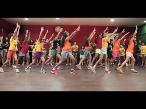 abhi toh party shuru hui hai dance ...