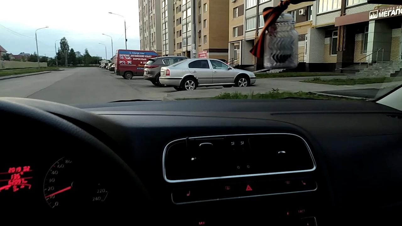 volkswagen трещит/дребезжит стекло приборной панели