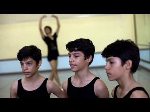 Los trillizos que aspiran al Ballet Nacional de Cuba