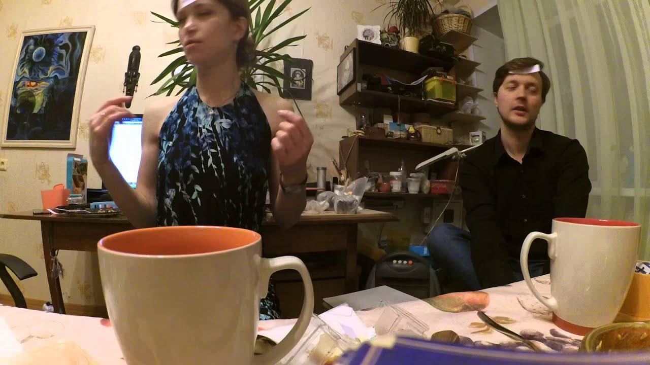 Парень в гостях видео, трахнул служанку в попу в прихожей