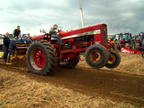 Farmall IH 826 Tractor | Project Gallerys | Marx Repair