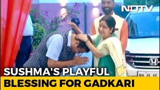 Video: Sushma Swaraj's Playful Blessing For Nitin Gadkari At BJP HQ