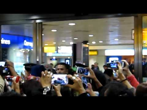 C.N.BLUE Arrives at Heathrow Airport 20.09.2012 The fans