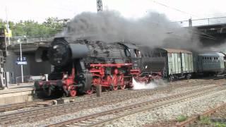Sonderzug mit Dampflok BR 52 8106 passiert Mainz - Bischofsheim