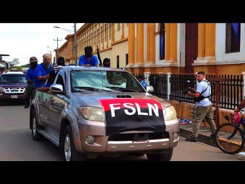 Nicaragua: les paramilitaires défilent dans Monimbo