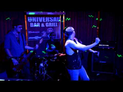 "Rollin' Riot performs ""Looking for a Kiss"" by the New York Dolls"