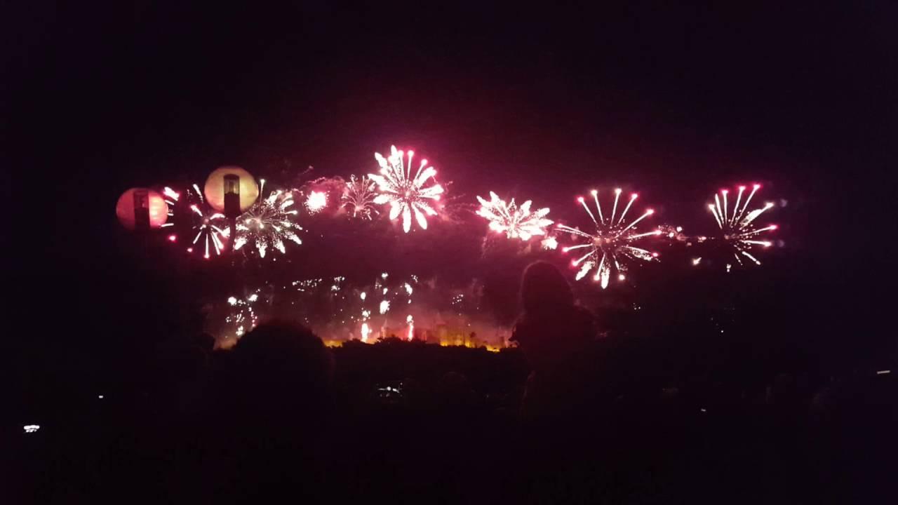 Feu D Artifice 14 Juillet 2016 Carcassonne France En