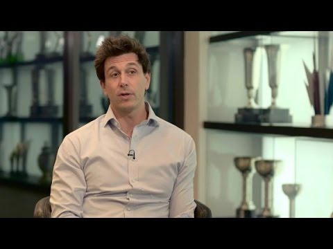 Toto Wolff: Hamilton and Rosberg both deserve title