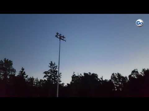 (Video 2 of 2) Students at Oakbrook Preparatory School enjoy the brief bit of totality they got to s
