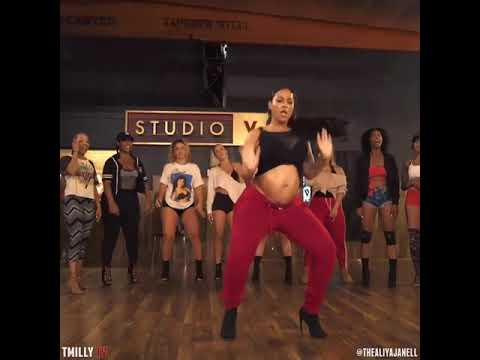 Joie Chavis Pregnancy Dance 😍😍