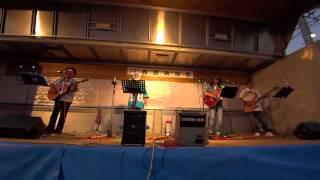 地元の納涼祭のステージ 西原おじさんバンド(NOB)の演奏です。 西原納...