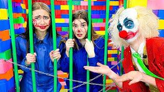 Побег из ЛЕГО Тюрьмы от Страшного Клоуна