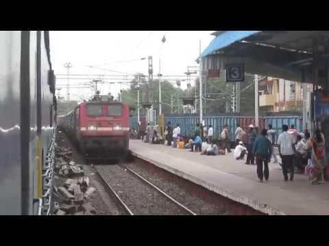 22893 Sainagar Shirdi - Howrah SF Express Skipping Jalgaon Junction !!