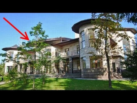 This house is in Russia costs only $ 57 million! You'll be shocked to look  inside