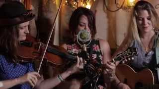 Della Mae - Sleep With One Eye Open (Live @Pickathon 2014)
