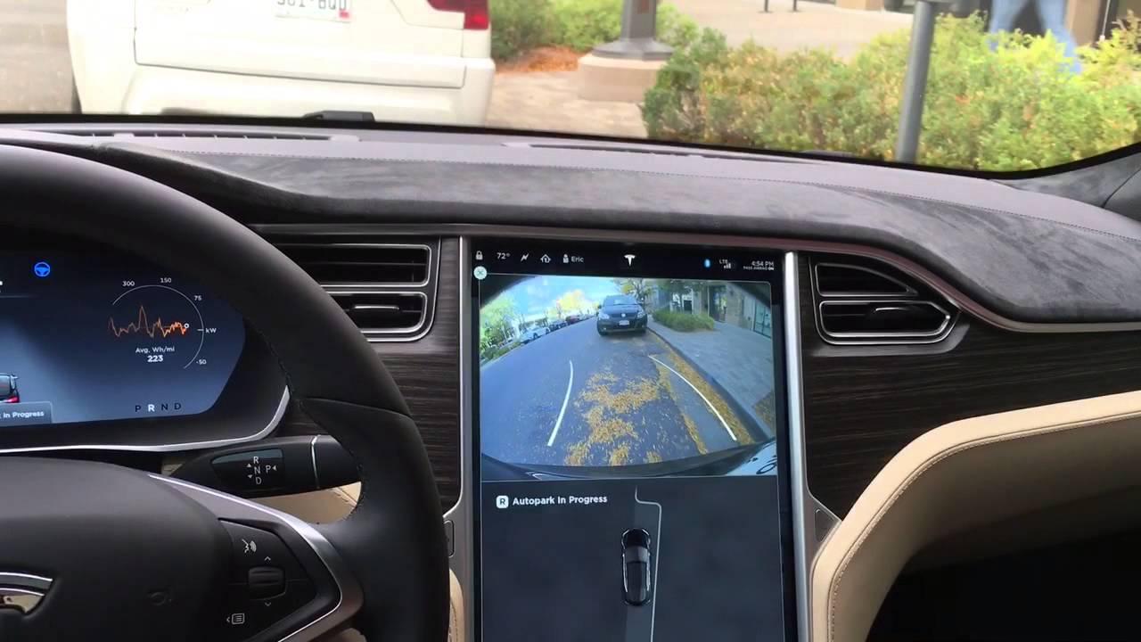 Tesla Model S v7.0 self parking - YouTube