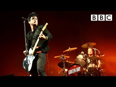 Green Day  Boulevard of Broken Dreams at Reading Festival 2013