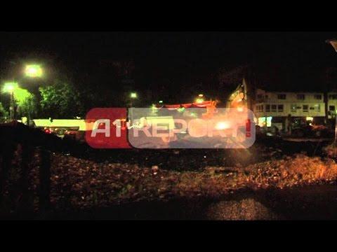A1 Report - Hiqet barrikada në Mitrovicë e vendosur tre vjet më parë nga serbët
