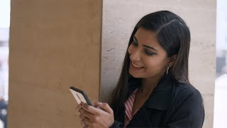 Closeup shot of a happy businesswoman using her smartphone - lifestyle concept