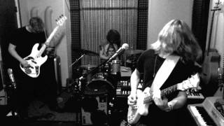Livin Lovin Maid -- Caverns (Live from Backhouse Studios)