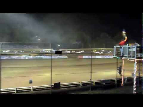 Tyler County Speedway - Middlebourne, West Virginia - Racing action!