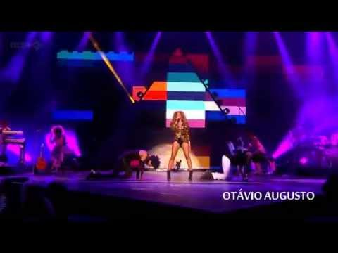 Beyoncé - Sweet Dreams and Are Made Of This (Live in Glastonbury 2011)