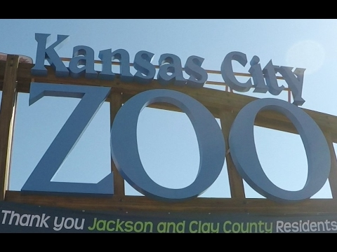 1st Trip to KANSAS CITY ZOO with Della!